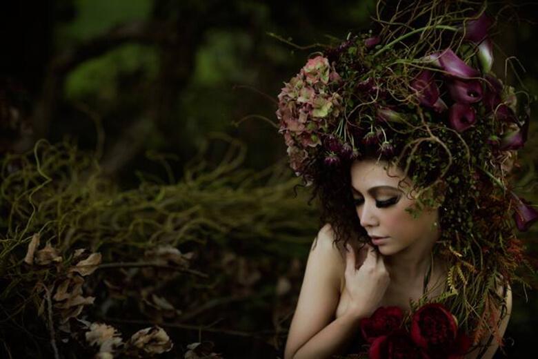 model:yuuko, flower art:今井陽月, photograph:中島洸一, assistant:野田眞直, Hair make:Emi Gokyu
