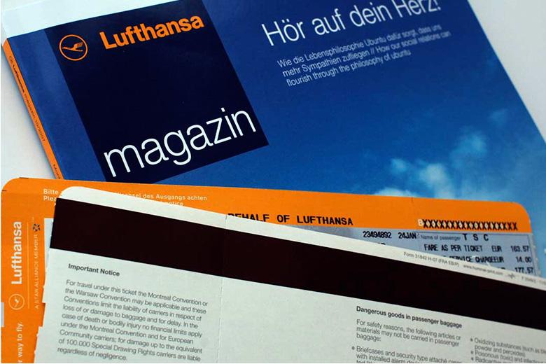 Helvetica 引用元:小林 章 タイプディレクターの眼 デザインの現場オフィシャルブログ