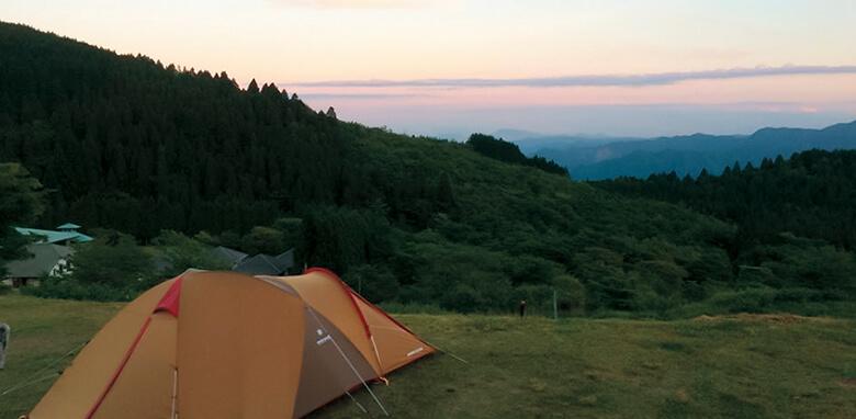 camp_field780