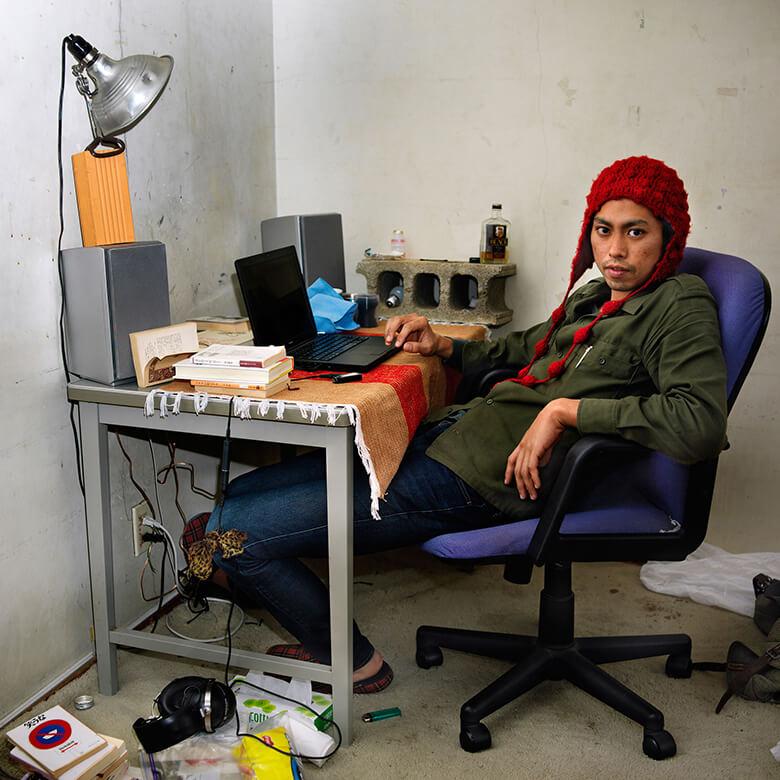 《okinawan portraits 2010-2012》 OP.000010 浦添, 2010 © Ryuichi Ishikawa