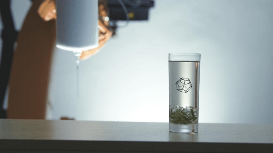 液体の中に図形を描く、新たな3Dプリンター「PRINT A DRINK」