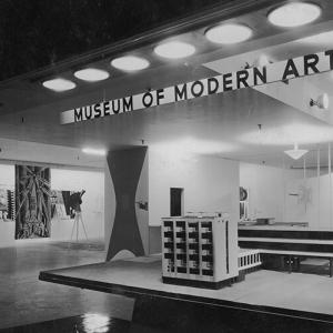 Bauhaus: 1919–1928  引用元:MoMA 公式サイト