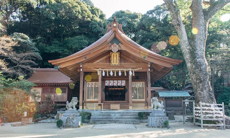 伝統と現代のデザインが織りなす</br>「竈門神社」の新たな魅力