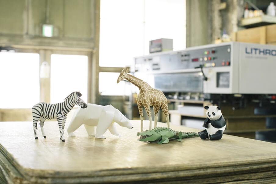 動物をリアルに再現したペーパーモデルキット「TOP TO TAIL」