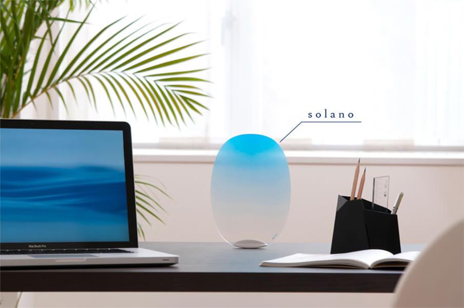 職人の技と現代のデザインを融合させた、自立するうちわ「solano」
