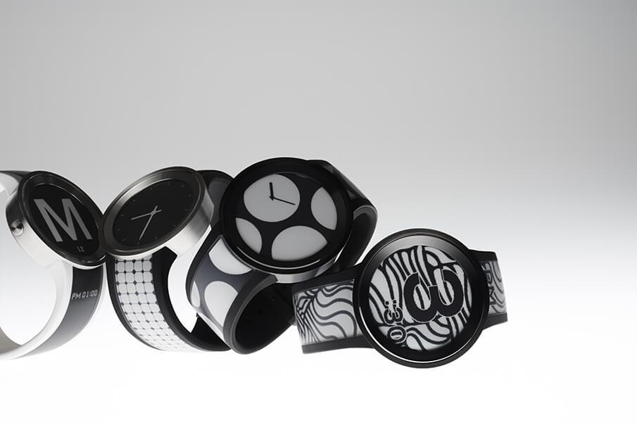 服を選ぶように、柄を選べる時計「FES Watch U」