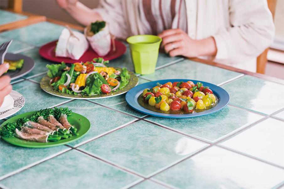 """""""土に還る""""100%天然素材「EcoSouLife」の食器で食卓を彩る"""