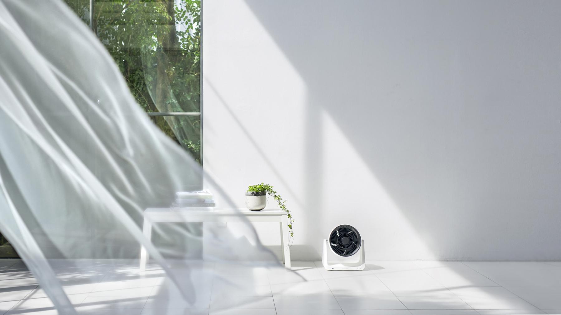 『R2-D2』からインスピレーションを受けたバルミューダの新製品「GreenFan C2」