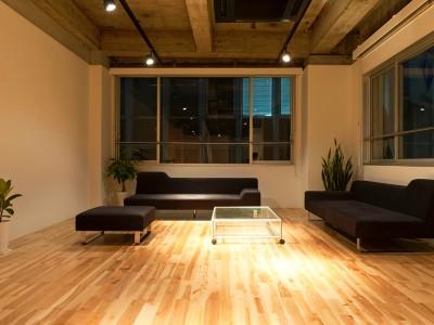 We designed the interior of the Aratana laboratory in Tenjin, Fukuoka. Aratana laboratory is an IT laboratory.